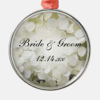 白いアジサイの花の結婚式 メタルオーナメント