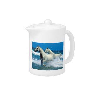 白いアラビアの馬のティーポット