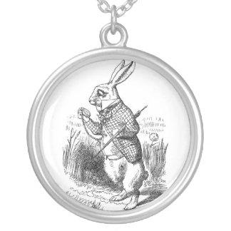 白いウサギのネックレス シルバープレートネックレス