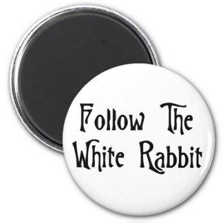 白いウサギを後を追って下さい マグネット