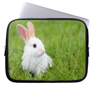 白いウサギ ラップトップスリーブ