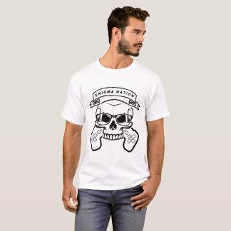 白いエニグマの国家のデザイン Tシャツ