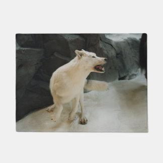白いオオカミ ドアマット