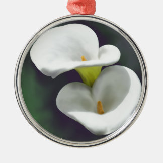 白いオランダカイウユリの花 メタルオーナメント