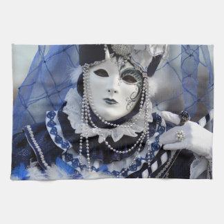 白いカーニバルのマスクが付いている青の女性 キッチンタオル