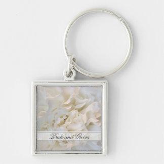 白いカーネーションの花の結婚式 シルバーカラー正方形キーホルダー