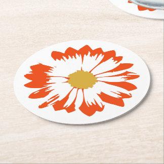 白いコースターのオレンジ花 ラウンドペーパーコースター