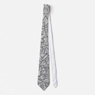白いジグザグ形のタイ ネクタイ