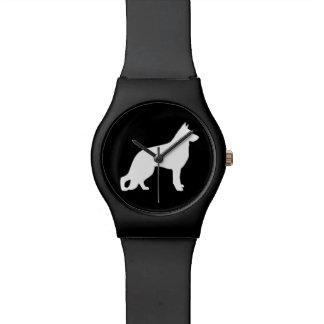 白いジャーマン・シェパード犬のシルエット 腕時計