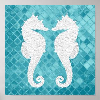 白いタツノオトシゴの水の海ガラス ポスター
