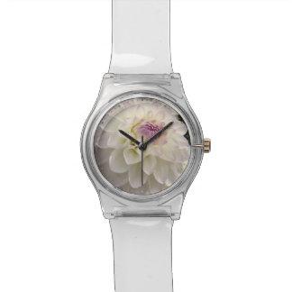 白いダリア 腕時計
