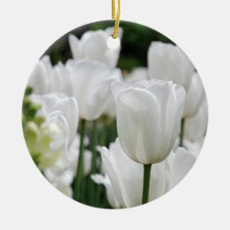 白いチューリップの庭 セラミックオーナメント