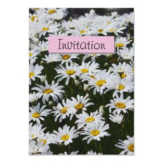 白いデイジーのパーティーの発表の招待状 カード
