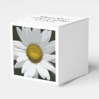 白いデイジーの花の結婚式 フェイバーボックス