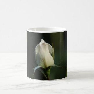 白いバラのつぼみのコーヒー・マグ コーヒーマグカップ