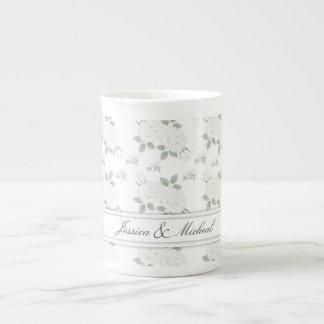 白いバラのカスタマイズ可能な骨灰磁器のマグのコップ ボーンチャイナカップ