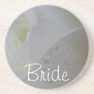 白いバラの花弁の結婚式 コースター