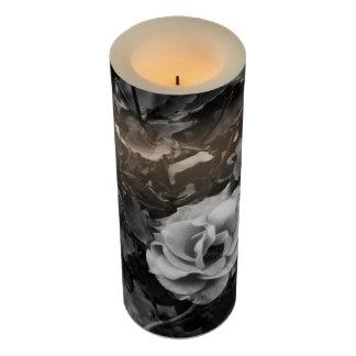 白いバラの蝋燭及び覆い LEDキャンドル