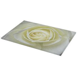 白いバラの詳細の上で閉めて下さい カッティングボード
