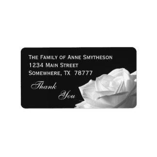 白いバラは感謝していしています 宛名ラベル