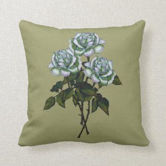 白いバラ: 色の鉛筆の芸術: 花柄、花 クッション