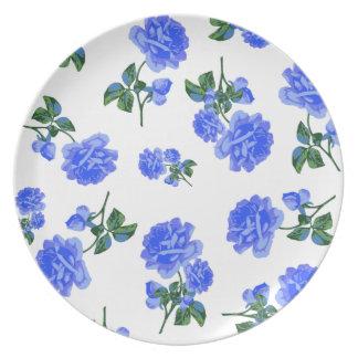 白いプレートの濃紺のバラの花パターン プレート