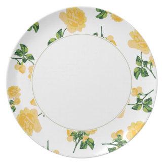 白いプレートの黄色バラの花パターン プレート