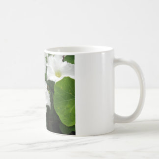 白いペチュニア コーヒーマグカップ
