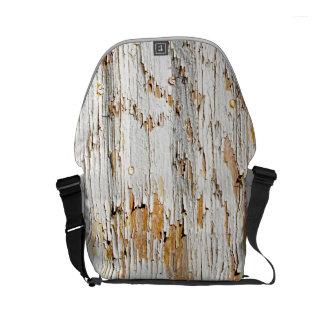 白いペンキの抽象芸術の写真の皮をむくこと スモールメッセンジャーバッグ