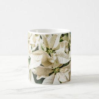 白いポインセチアのマグ コーヒーマグカップ