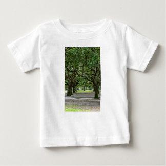白いポイントは絵画的庭いじりをします ベビーTシャツ
