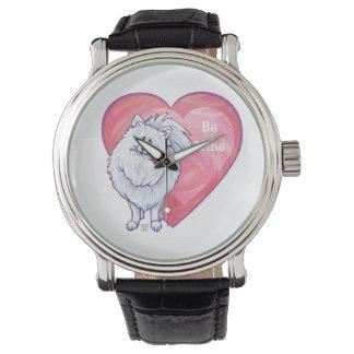 白いポメラニア犬のバレンタインデー 腕時計