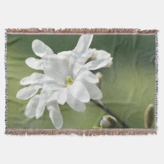 白いマグノリアの花 スローブランケット