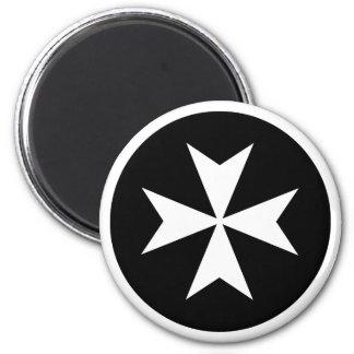 白いマルタ十字 マグネット