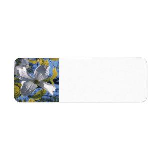 白いミズキの花のカスタムの差出人住所ラベル ラベル