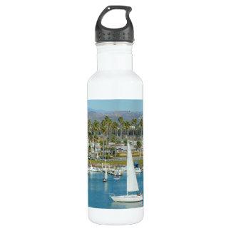 白いヨットが付いているボトル ウォーターボトル