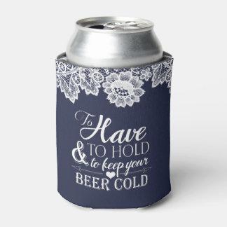 白いレースの濃紺のモノグラムの結婚式 缶クーラー