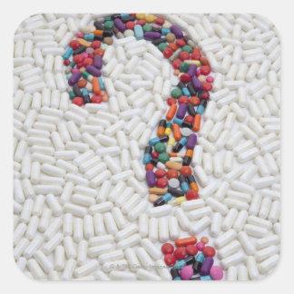 白い丸薬背景の丸薬の疑門符 スクエアシール