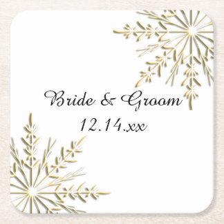 白い冬の結婚式の金ゴールドの雪片 スクエアペーパーコースター