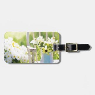 白い庭の花 ラゲッジタグ