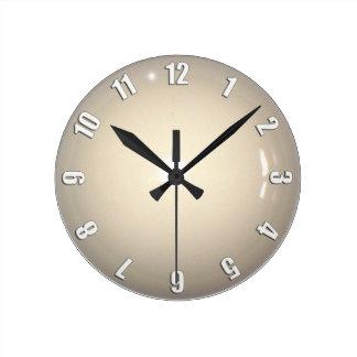 白い手掛り状況の時計のデザイン ラウンド壁時計
