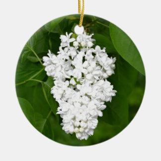 白い春の薄紫の花のプリント セラミックオーナメント