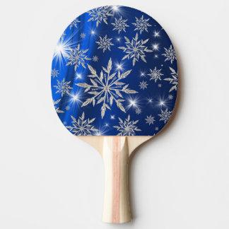 白い氷晶が付いている青いクリスマスの星 卓球ラケット