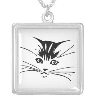 白い猫の輪郭の黒 シルバープレートネックレス