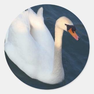 白い白鳥-ステッカー ラウンドシール