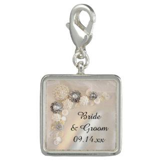 白い真珠およびダイヤモンドボタンの結婚 チャーム