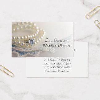 白い真珠、ダイヤモンド指輪、レースのウェディングプランナー 名刺