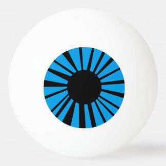 白い眼球の黒い生徒が付いている青い目 卓球 玉