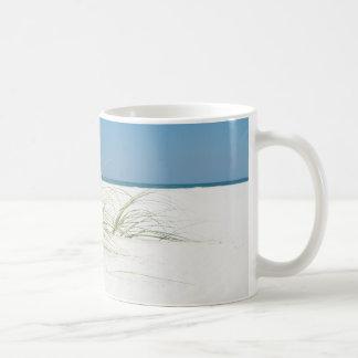 白い砂および海のオートムギ コーヒーマグカップ