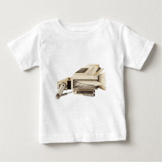 白い背景の白い宇宙船 ベビーTシャツ